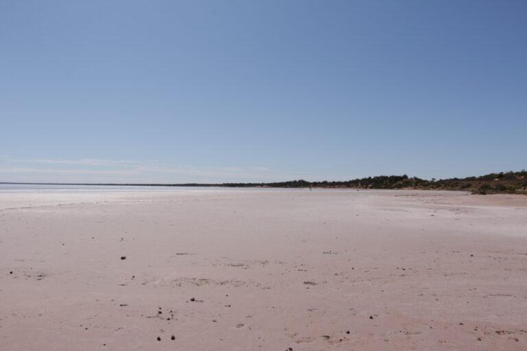Outback, słone jezioro
