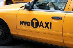 Żółta taksówka w Nowym Jorku