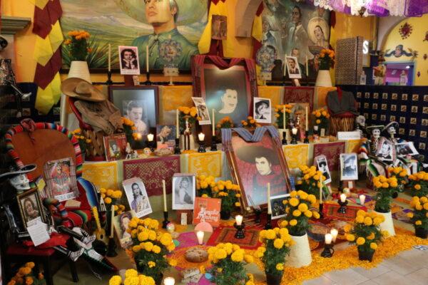 Ołtarzyk podczas Dia Muartos
