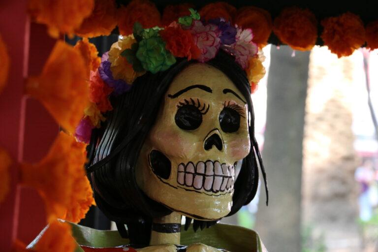 Czaszka Dia de Muertos ołtarzyk