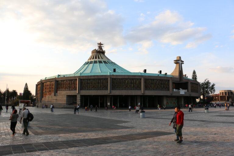 Atrakcje Mexico City - Bazylika Matki Bożej z Guadalupe