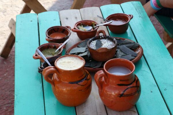 Pulque, salsa, niebieska kukurydza - przewodnik po meksykańskiej kuchni