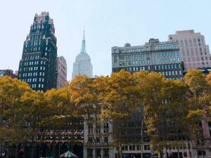 Empire State Building widziany z Bryant Park