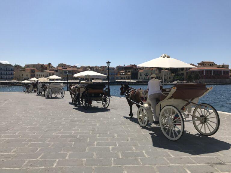 Dorożki w porcie weneckim - Chania, Kreta