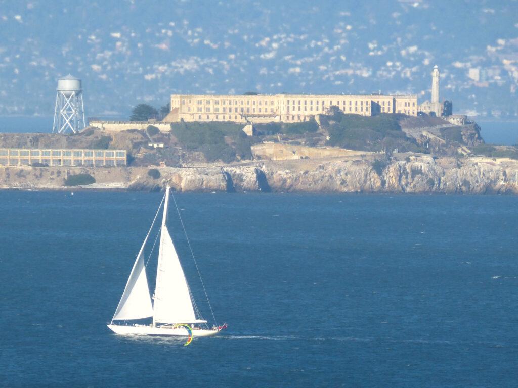 Wyspa Alcatraz widziana z San Francisco