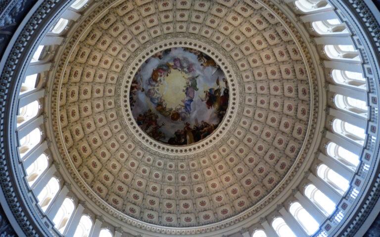 Sklepienie kopuły Kapitolu - atrakcja Waszyngtonu